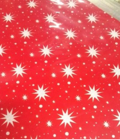 trasferello rosso con stelle bianche