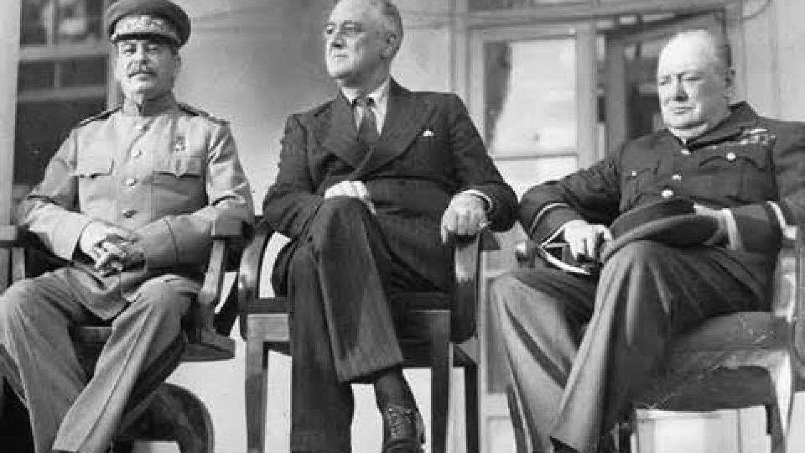 چرچیل، استالین، روزولت و سگ